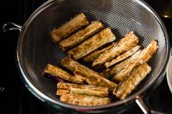 Crispy Eggplant with Szechuan Meat Sauce Cooking Process | omnivorescookbook.com