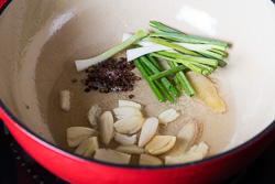 Chinese Beef Noodle Soup Cooking Process | omnivorescookbook.com