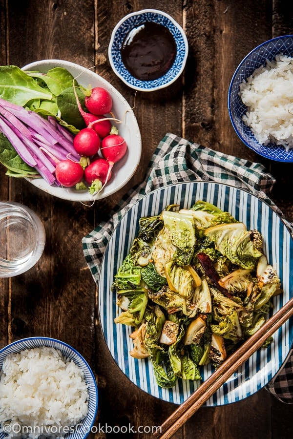 Chinese Vinaigrette Cabbage Stir Fry (醋溜卷心菜) - A simple and quick dish that makes cabbage richly flavored and addictive! | omnivorescookbook.com