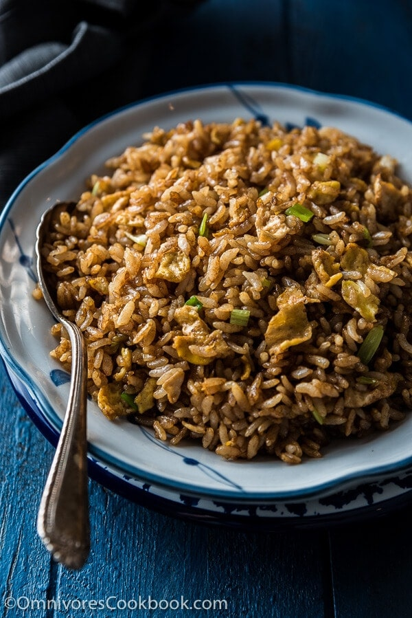 Soy sauce fried rice omnivores cookbook soy sauce fried rice a true chinese classic slightly indulgent ccuart Image collections