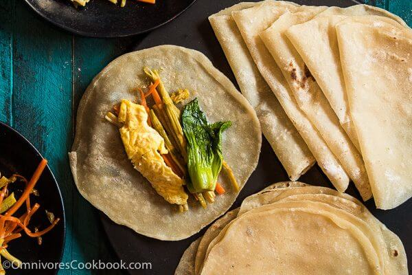 Mom's best duck pancakes (春饼, mandarin pancakes) - Learn the secrets to cooking paper-thin duck pancakes that are moist, light, and tender! | omnivorescookbook.com