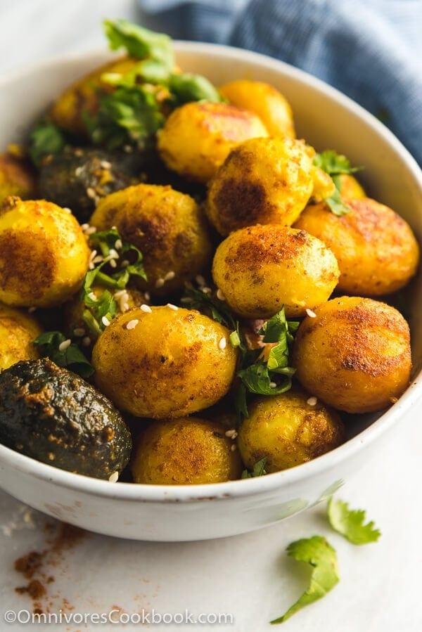 Crispy Pressure Cooker Potatoes | Omnivore's Cookbook
