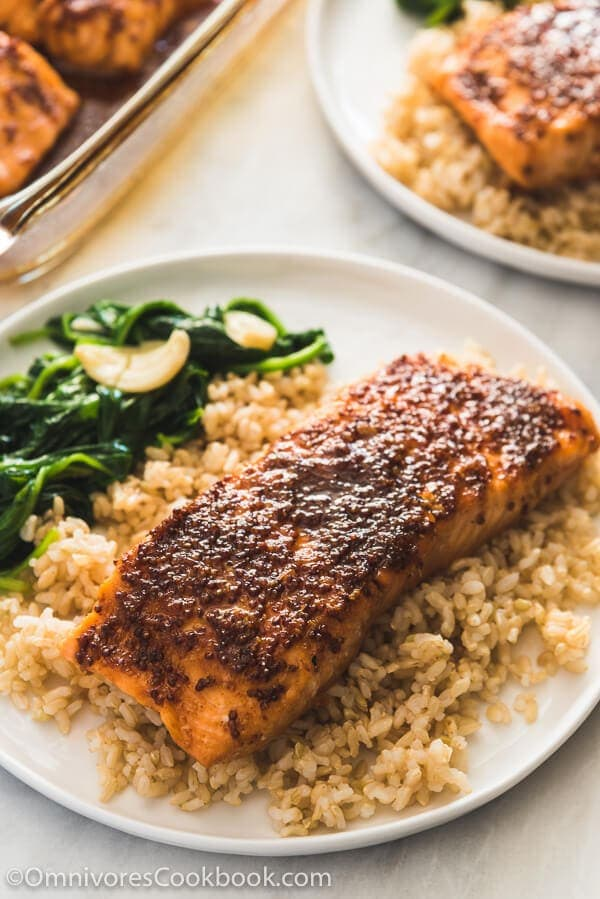 Honey soy sauce glazed salmon omnivores cookbook honey soy sauce glazed salmon an easy recipe that needs just 5 minutes of prep ccuart Gallery