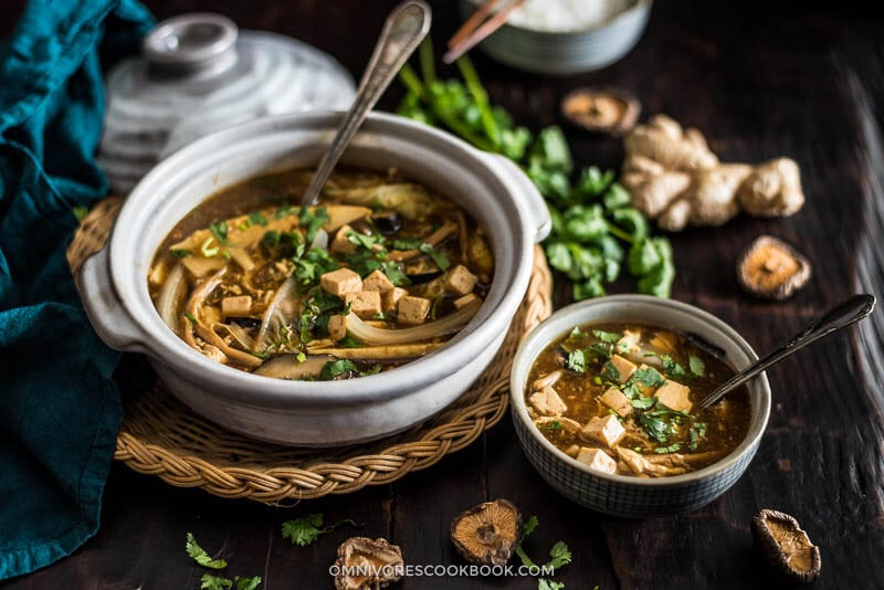 Vegetarian Hot and Sour Soup Cooking Process