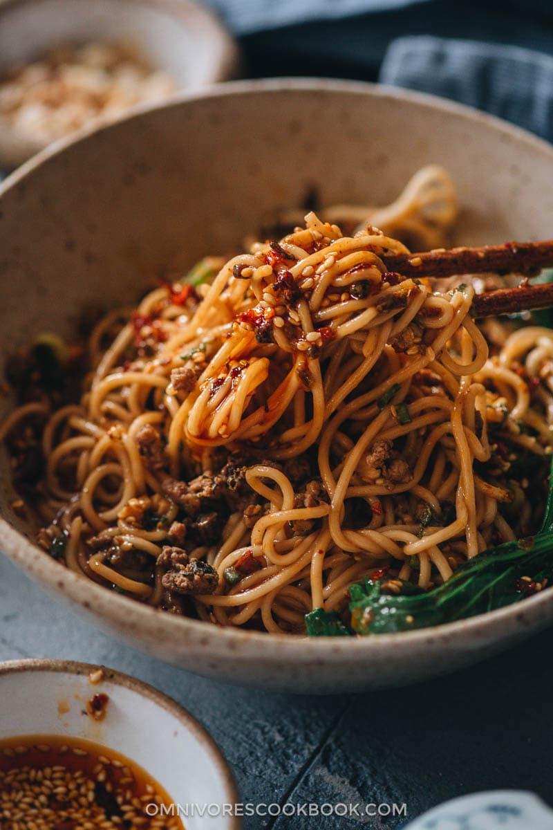 Mixing noodles