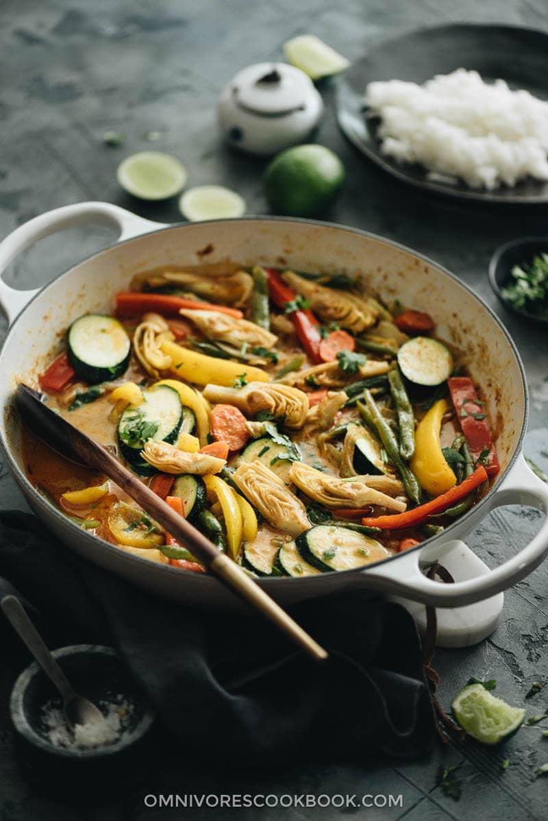 Vegetarian Thai curry in dutch oven close up