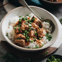 Pressure cooker curry beef stew topped on rice