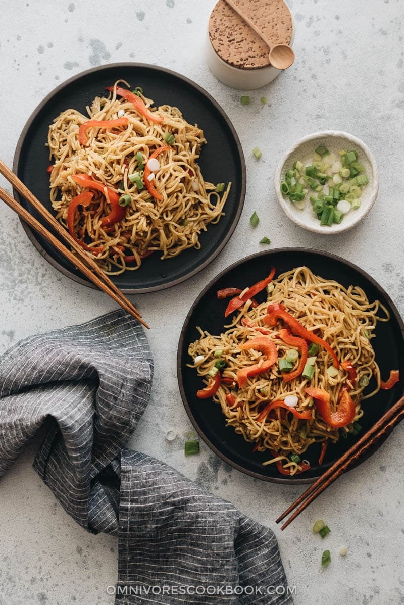 15-Minute Garlic Noodles served in plates