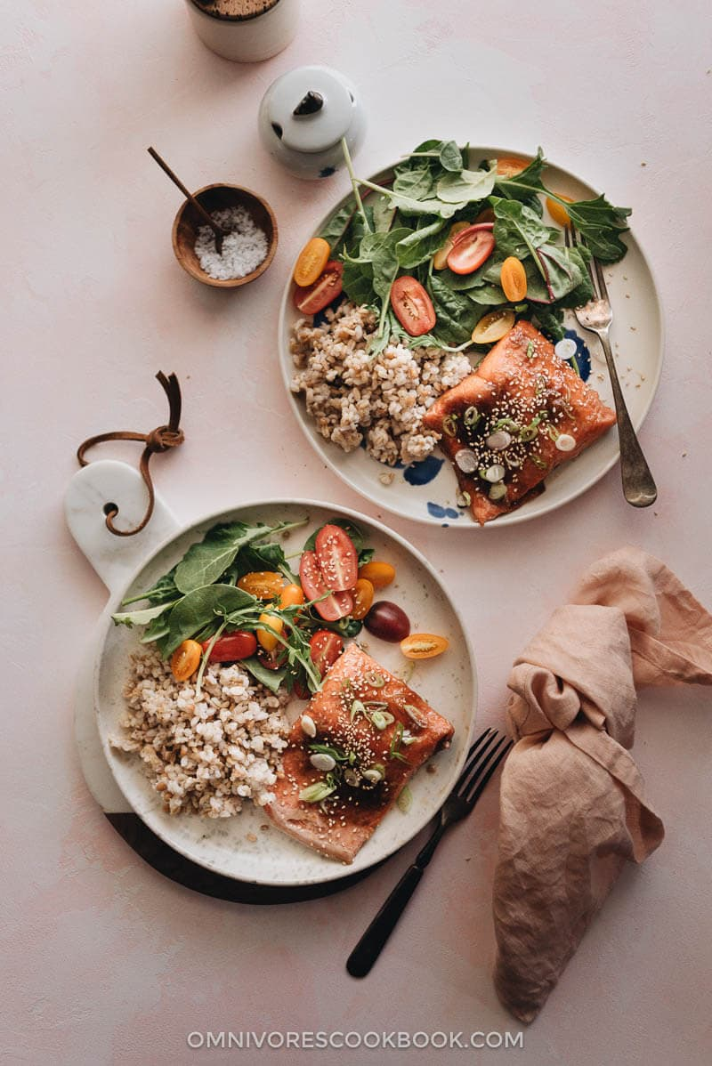 Sous-vide salmon with Asian sauce served with brown rice and salad