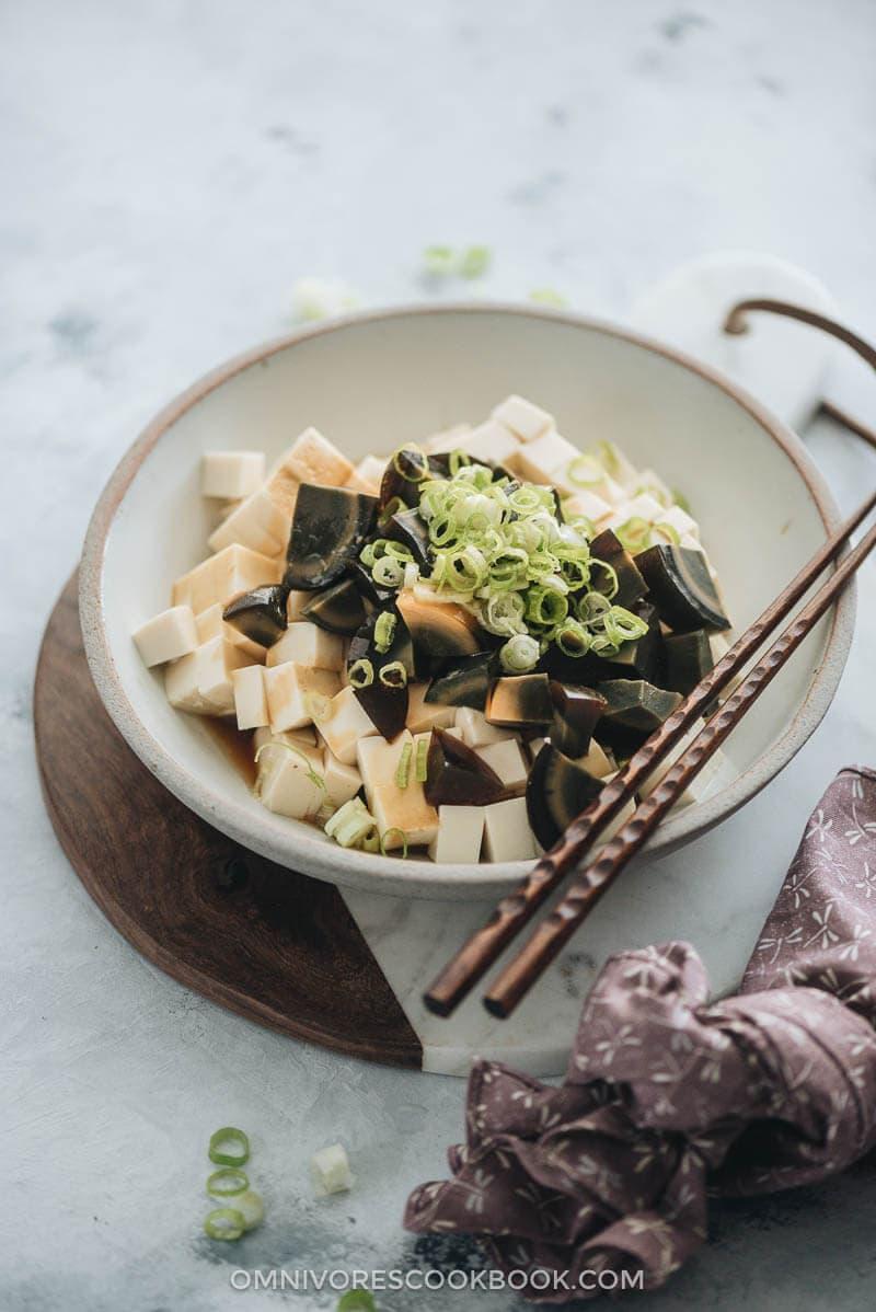 Tofu with Century Egg Salad (皮蛋豆腐)
