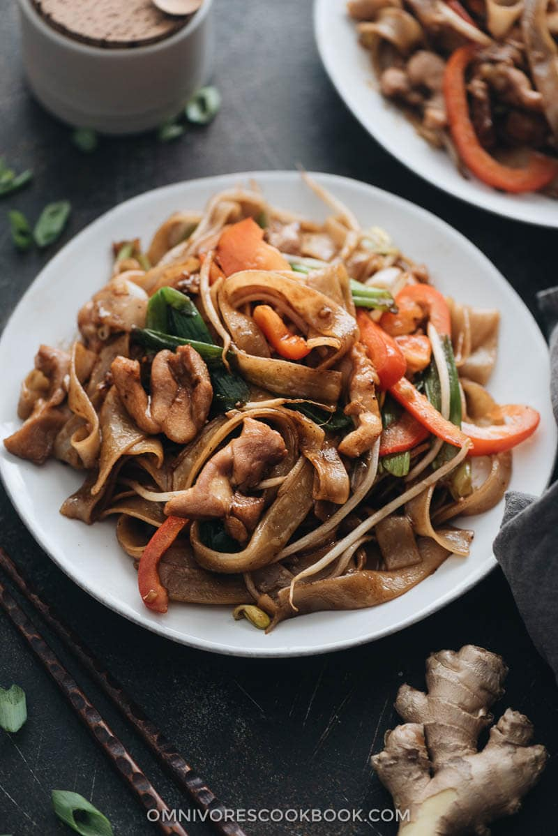 Restaurant style chicken chow fun close up