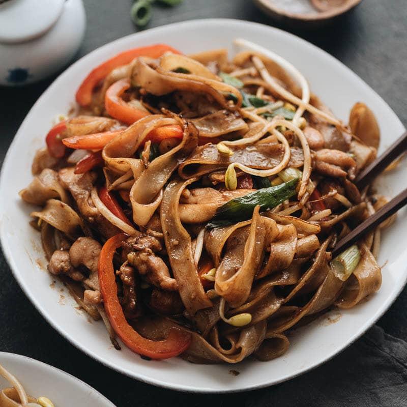 15-Minute Chicken Chow Fun (Chicken Fried Rice Noodles)