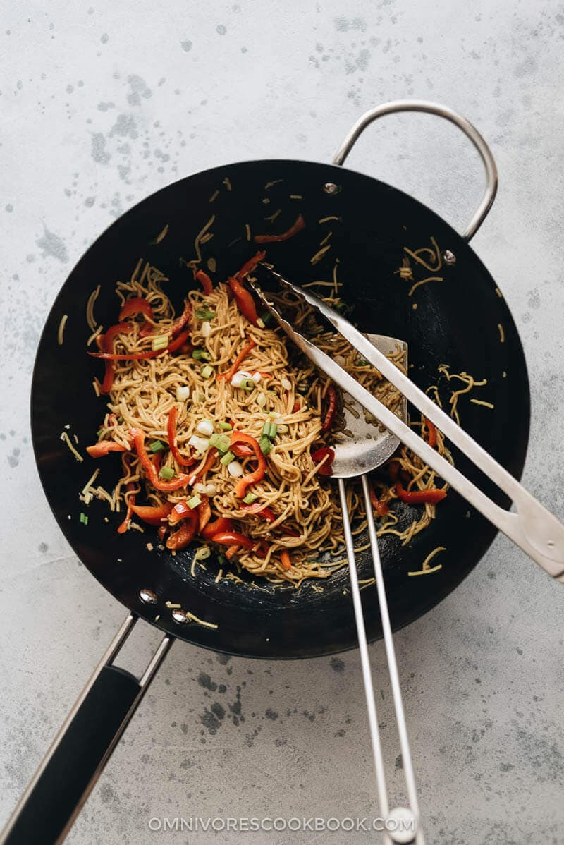 Top 15 Vegetarian Chinese Recipes - 15-Minute Garlic Noodles