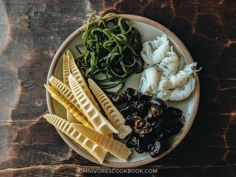 Bamboo shoots, seaweed, wood ear mushrooms, and zero calorie noodles on a plate