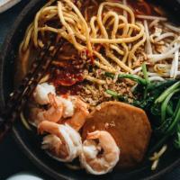 Hokkien Prawn Mee Noodle Soup (Hae Mee) close up