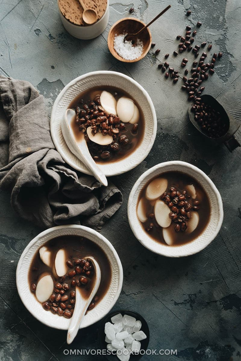 Sweet Chinese red bean soup served in bowls