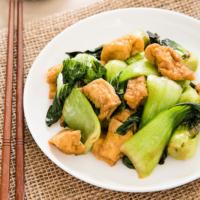 Bok Choy stir-fry with Crispy Tofu