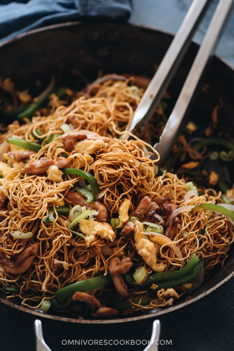 Hokkien noodles close-up