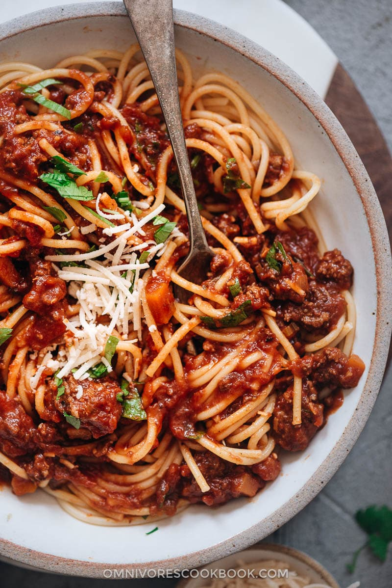 Instant Pot bolognese sauce with spaghetti
