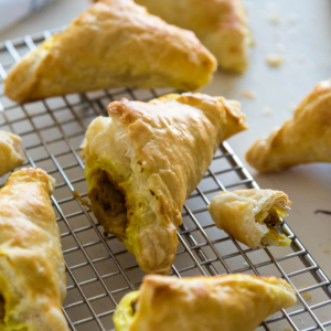 Thanksgiving Leftover Curry Puffs