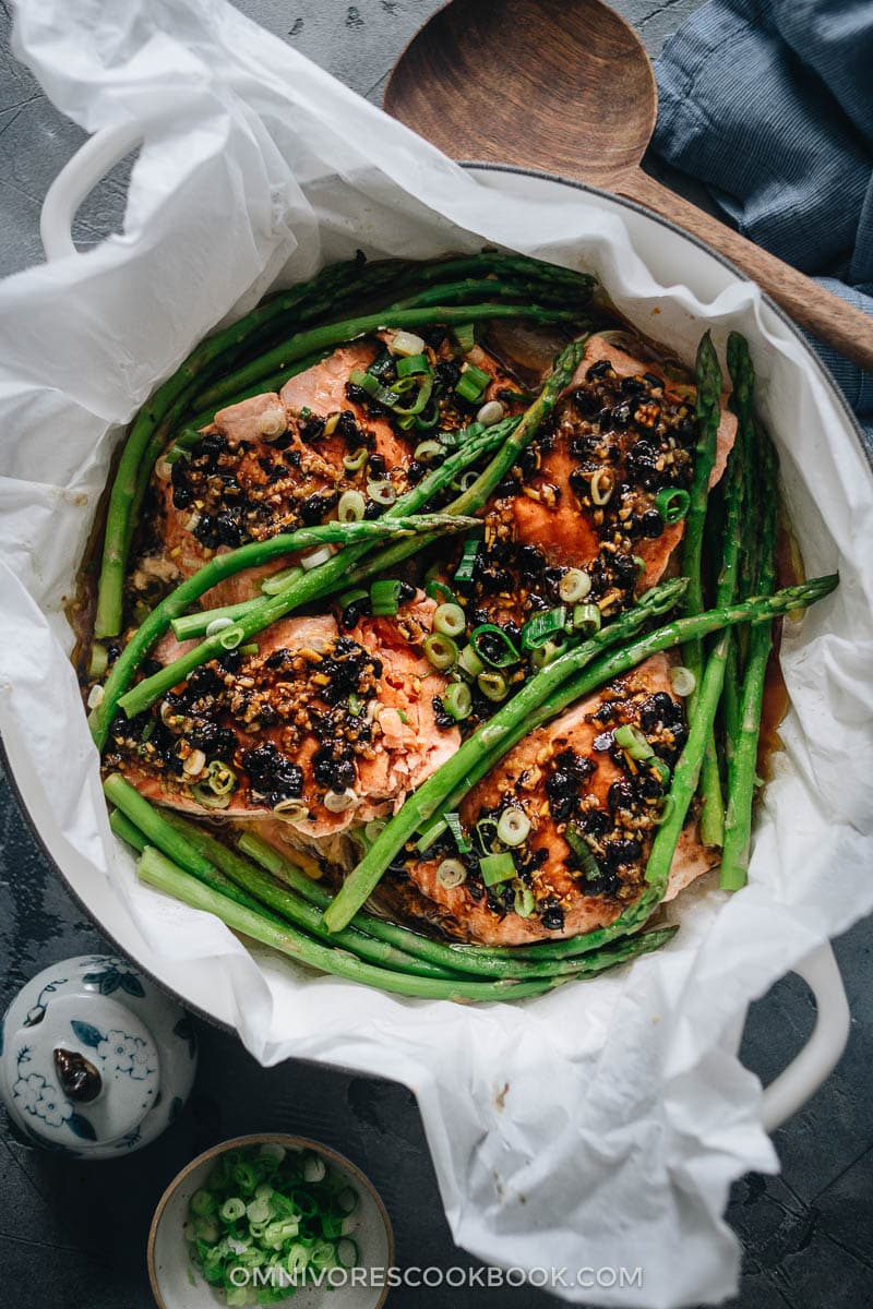 Steamed salmon in black bean sauce