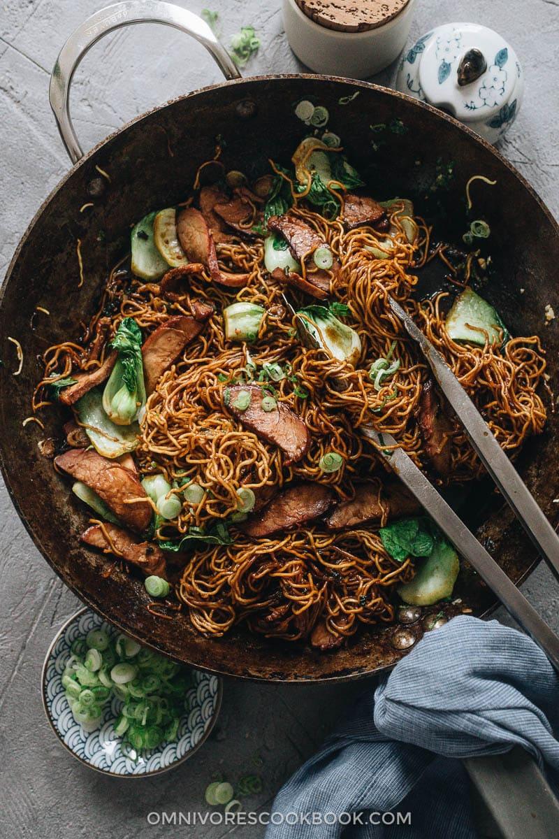Char siu chow mein in a pan