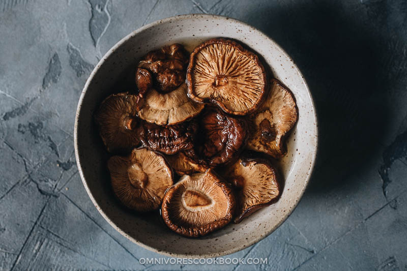 Soaking shiitake mushrooms