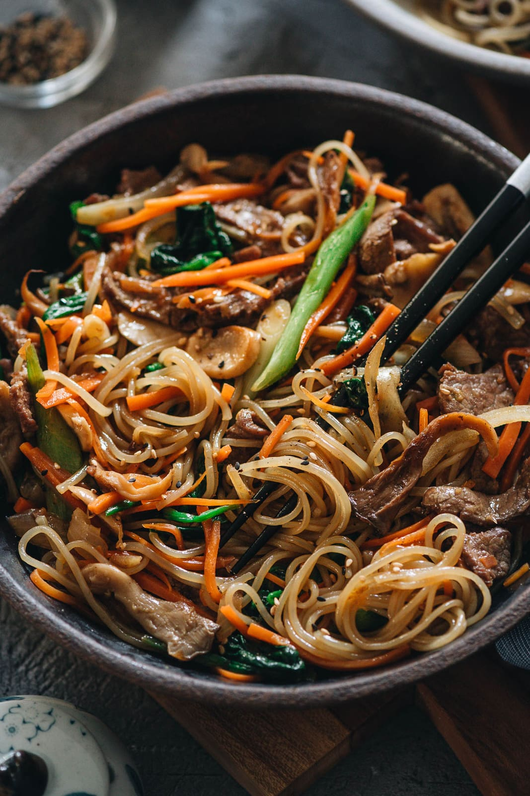 japchae korean sweet potato noodles  omnivore's cookbook