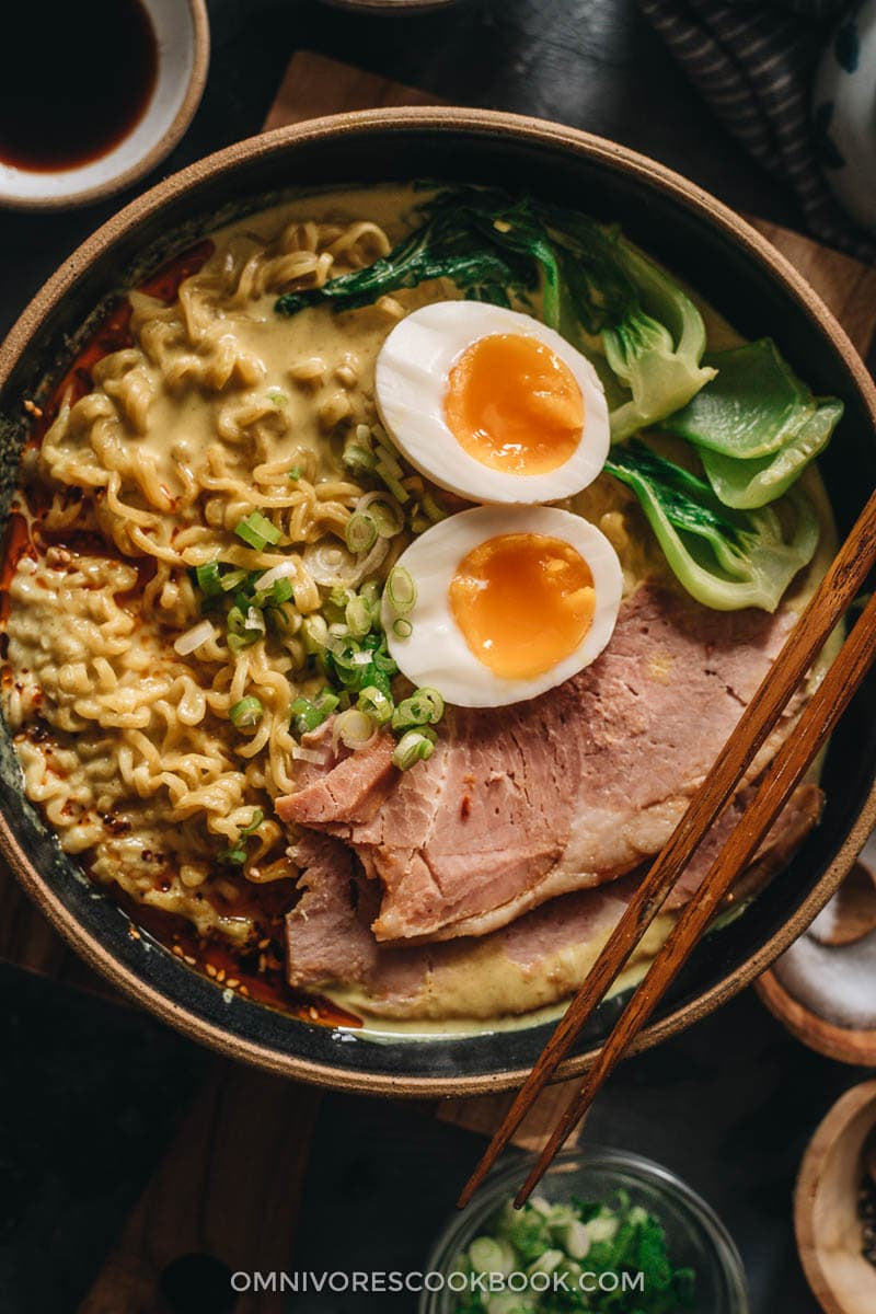 Curry ramen topped with leftover ham close up