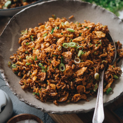 Fried rice with eggs and green onions