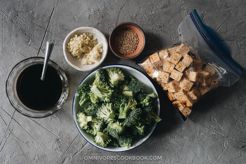 Tofu and broccoli ingredients