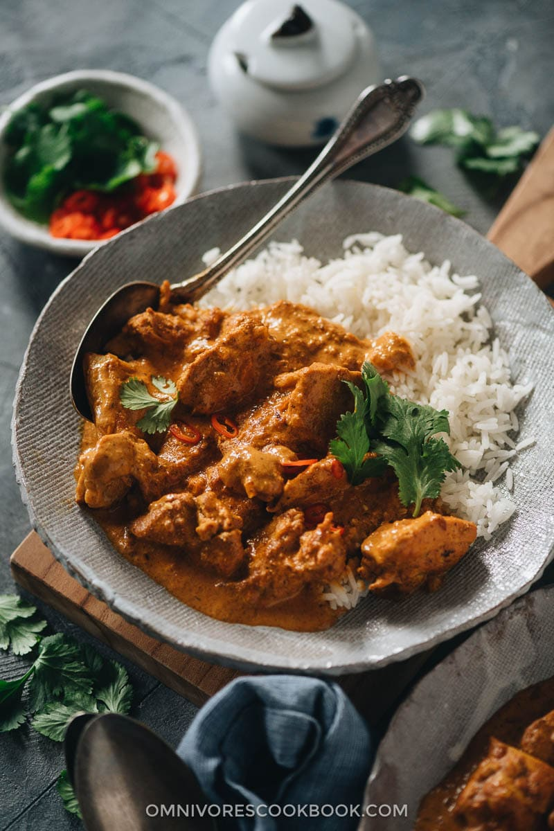 Instant pot butter chicken served over rice