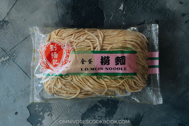 Lo mein noodles in package