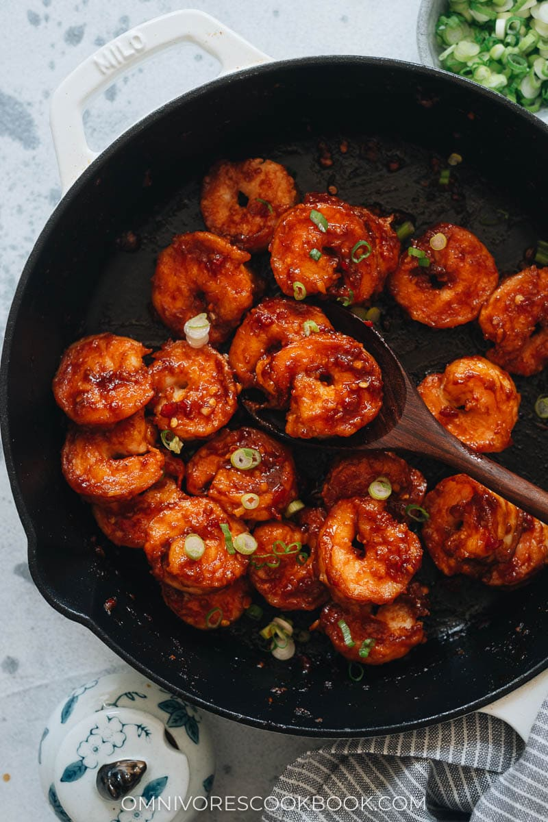 Chili garlic shrimp in a pan