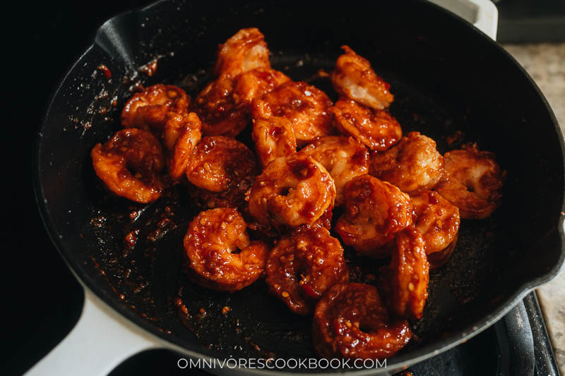 Cooking shrimp in chili garlic sauce