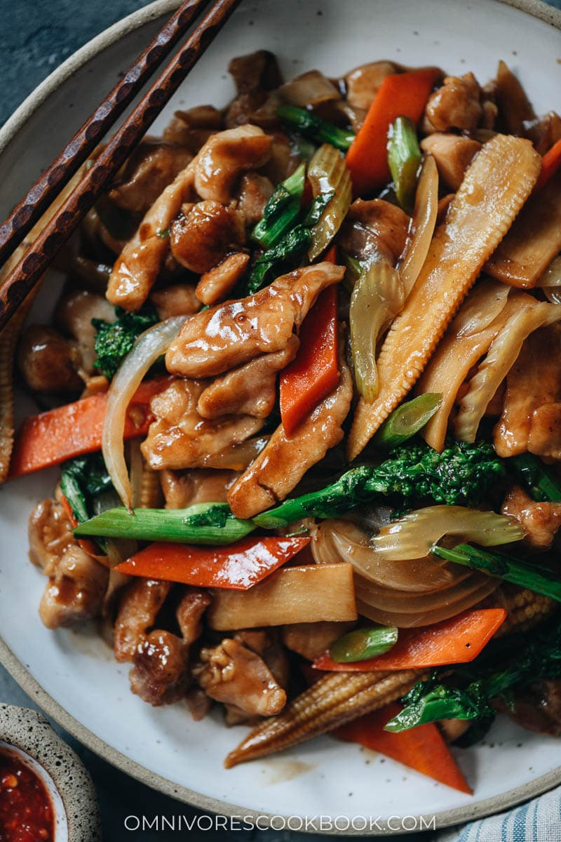 Chinese chicken stir fry with veggies close-up