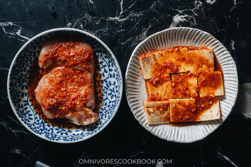 Marinating chicken and tofu