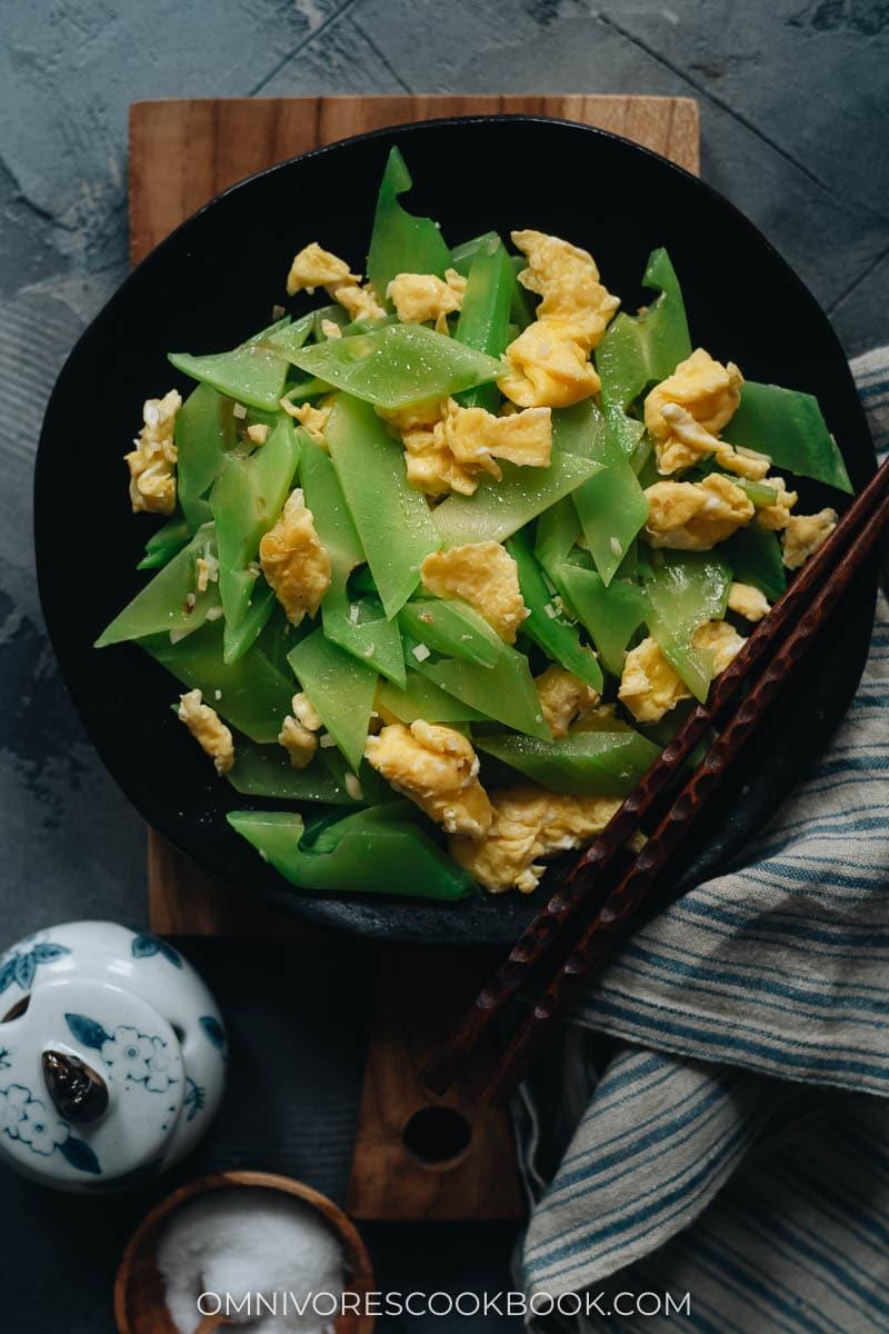Stir fried celtuce stem with eggs