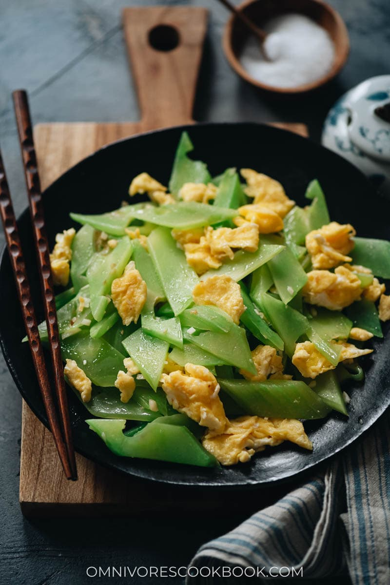 Celtuce stir fry with eggs