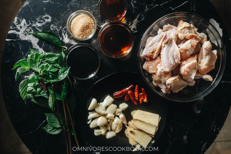 Ingredients for making three cup chicken