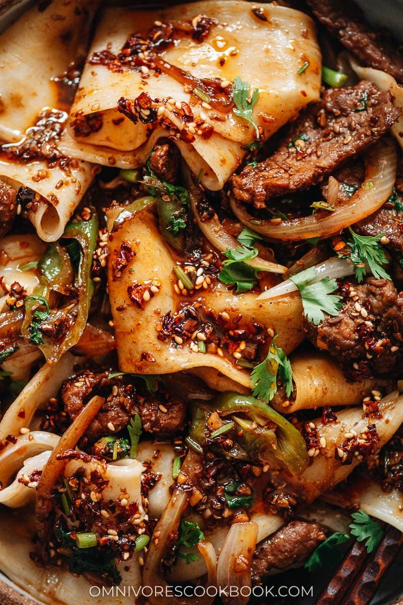 Cumin lamb noodles close-up