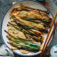 Recreate the authentic Korean seafood pancake in your kitchen with all the savory flavors, a soft interior, and a crispy outside that you will surely love!