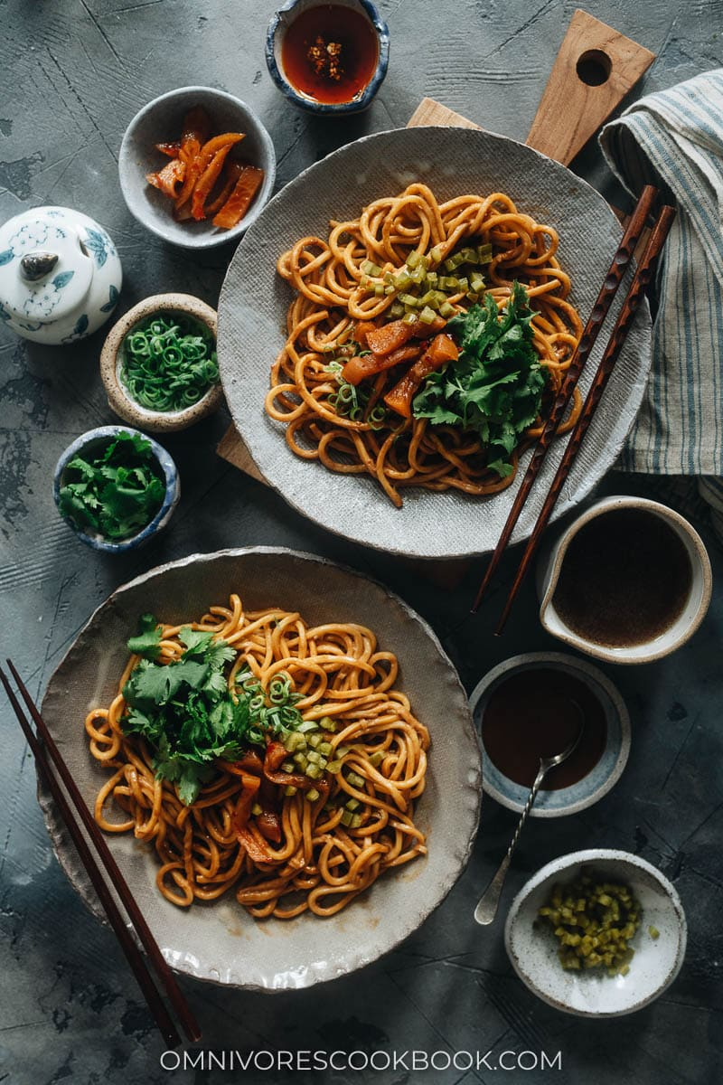 Hot dry noodles in plates
