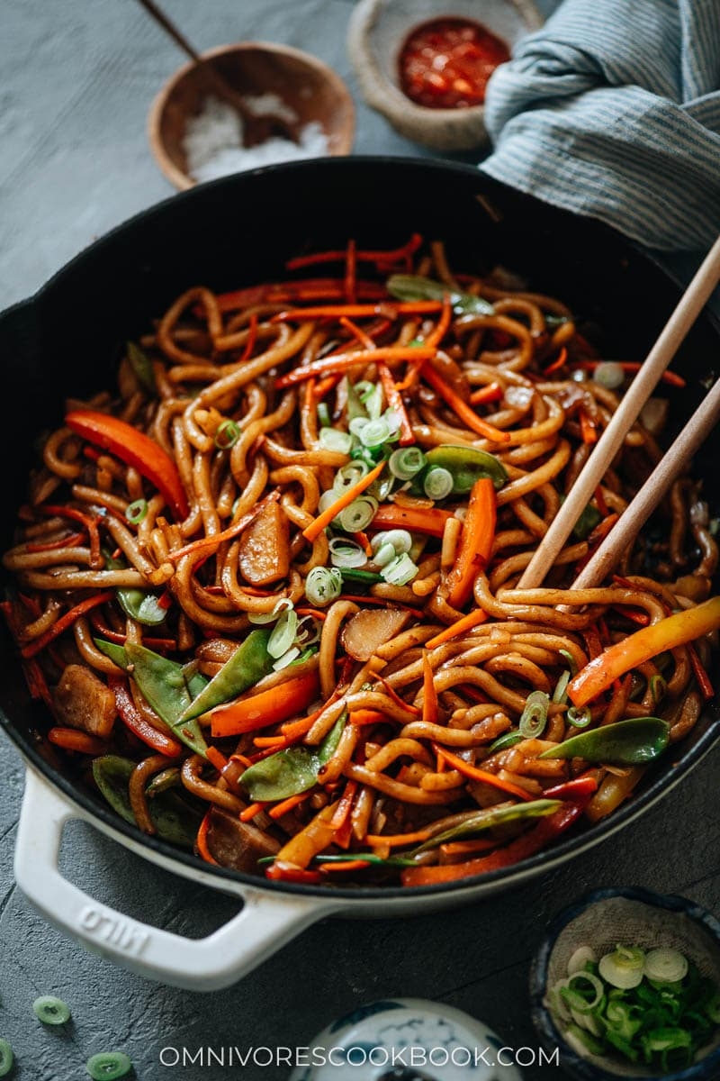 Stir fried vegetable udon