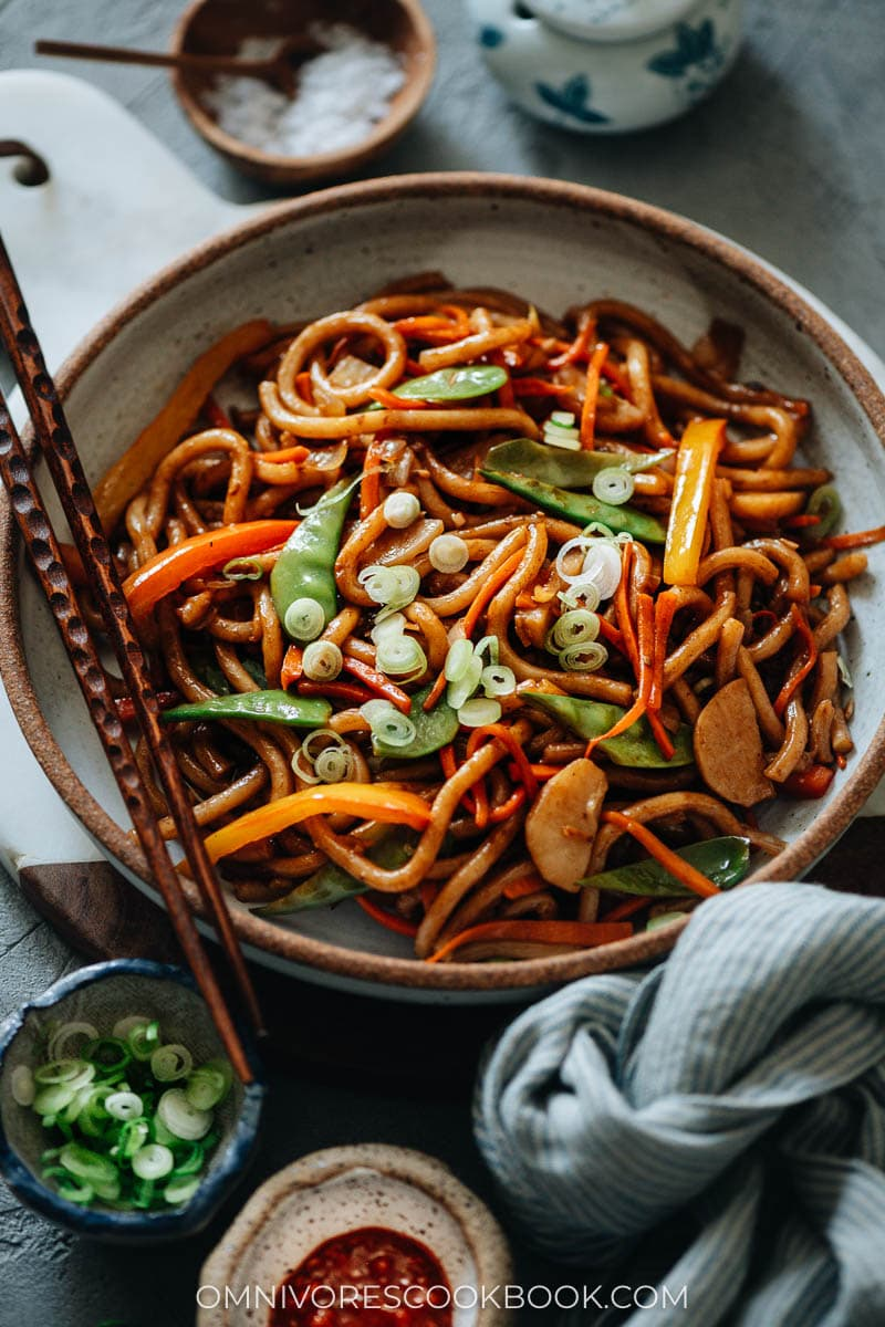 Vegetable udon in a plate
