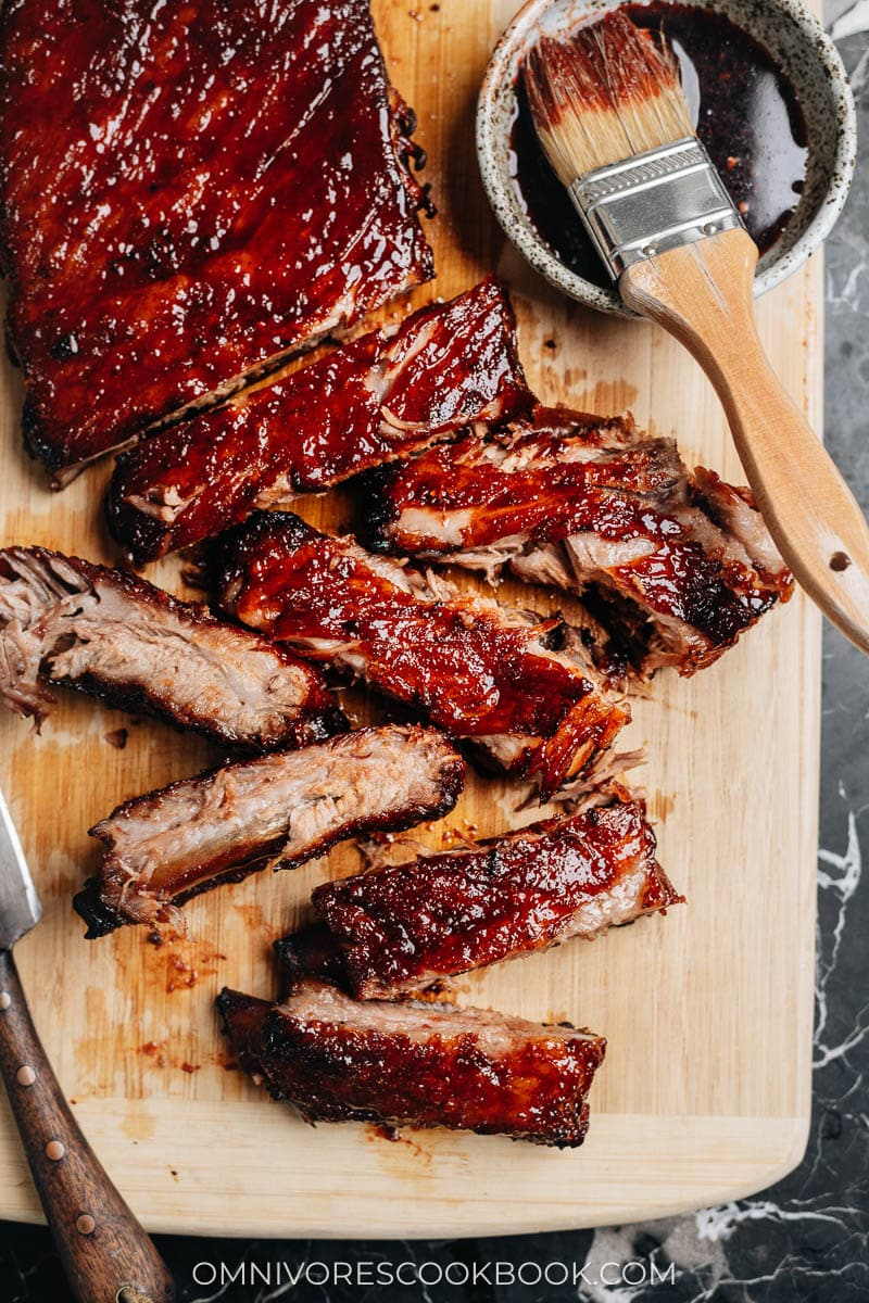 Chinese BBQ ribs with sauce