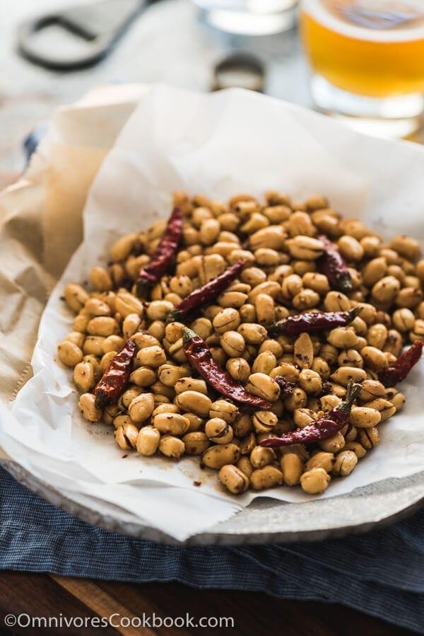 Szechuan Spicy Peanuts (黄飞鸿花生, Huang Fei Hong Spicy Peanuts)