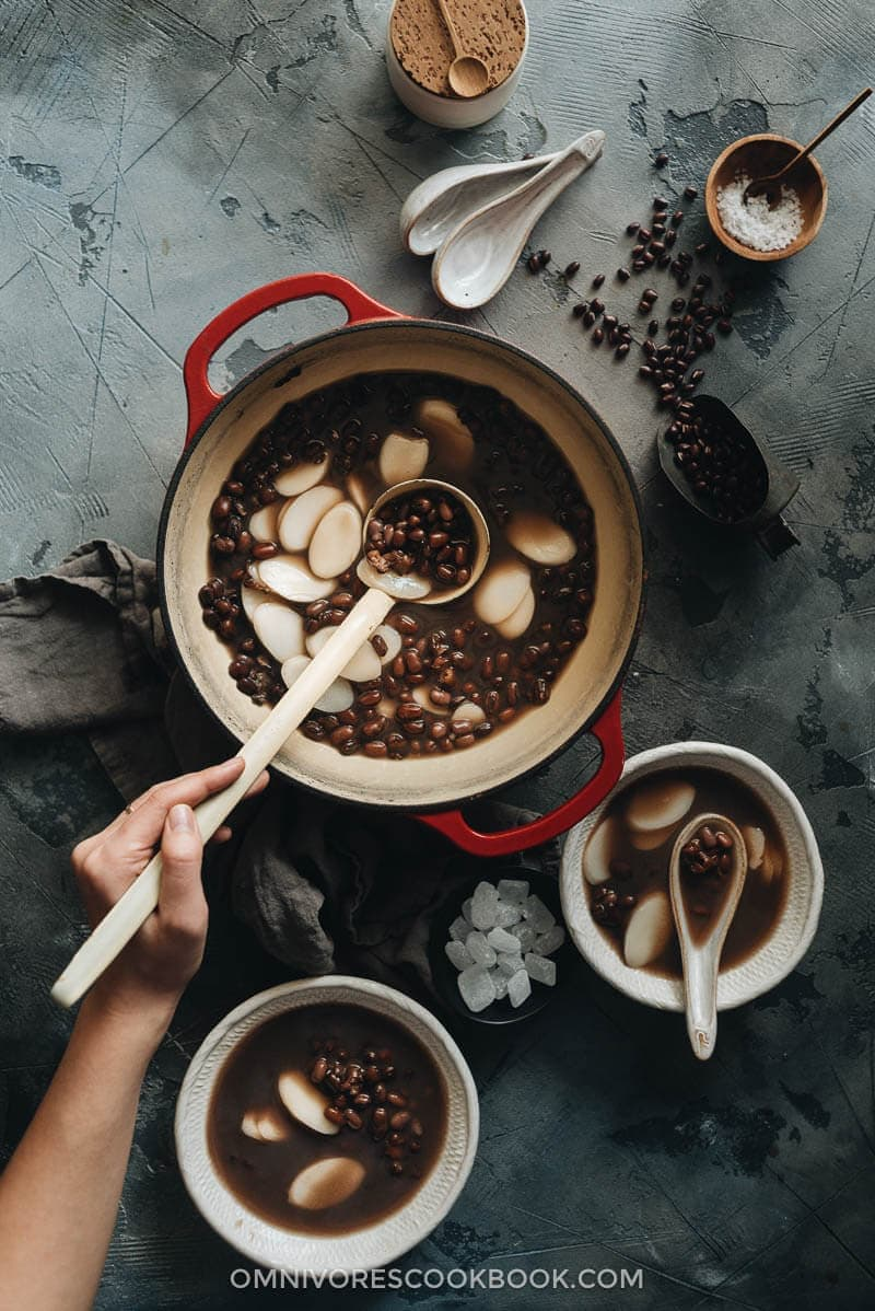 23 Vegan Chinese Recipes for Your Next Holiday Dinner Party - Red Bean Soup (红豆汤)