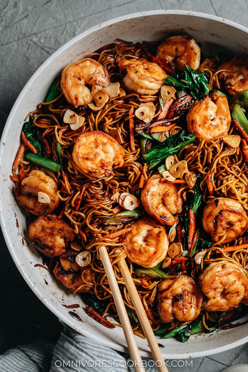XO noodles with shrimp in a pan