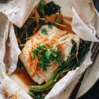Chinese Fish En Papillote Paper Wrapped Fish In Sesame Ginger Sauce Omnivore S Cookbook